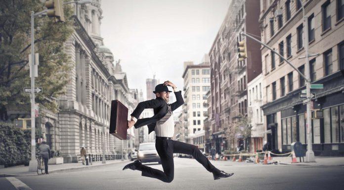 « Déléguer ? Pfff... Une pratique réservée à ceux qui ne savent pas courir entre leurs différentes boutiques ! »